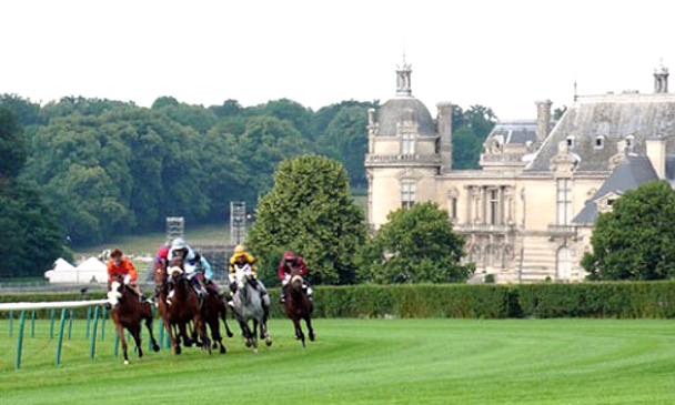 chantilly_track-with-chateau